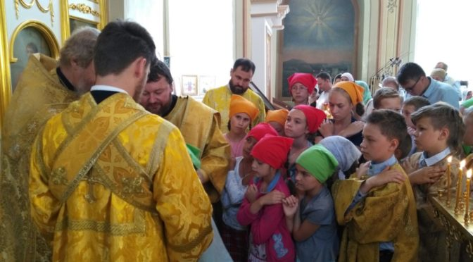 12 августа 2018 года храмы Патриаршего Подворья простились с иконой Спасителя с частицей шипа от Тернового венца.
