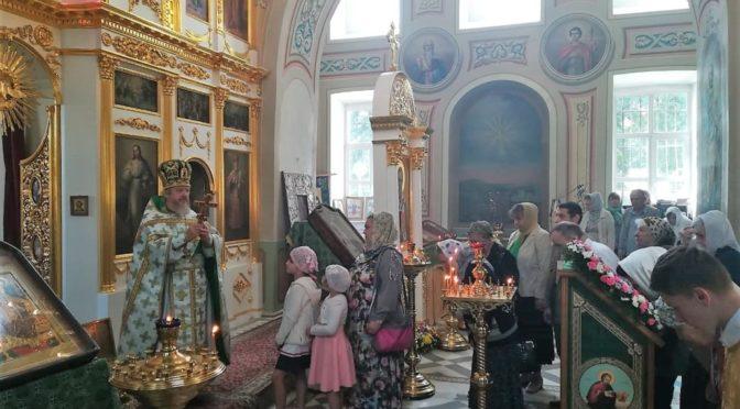 18 июля 2019 года в храме свт. Николая Мирликийского в с. Здехово была совершена праздничная Божественная Литургия