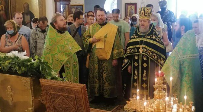 20 июня 2021 года в праздник Святой Троицы протоиерей Сергий Киселев совершил Божественную Литургию