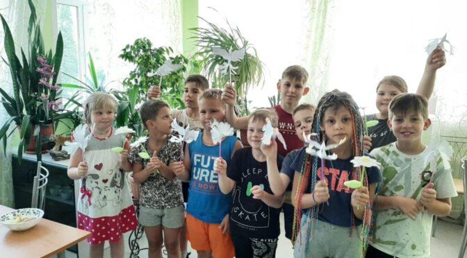 08 июля 2021 года в социально-реабилитационном центре «Теплый дом» прошла беседа с детьми на тему Дня семьи, любви и верности